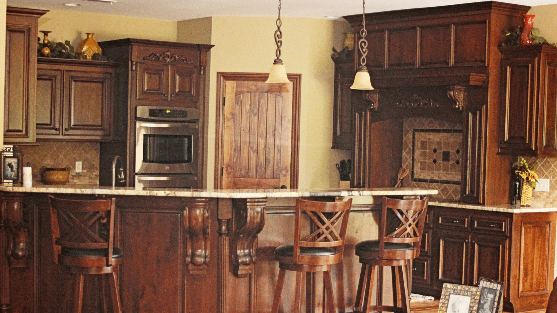 custom-cabinets-hero-4