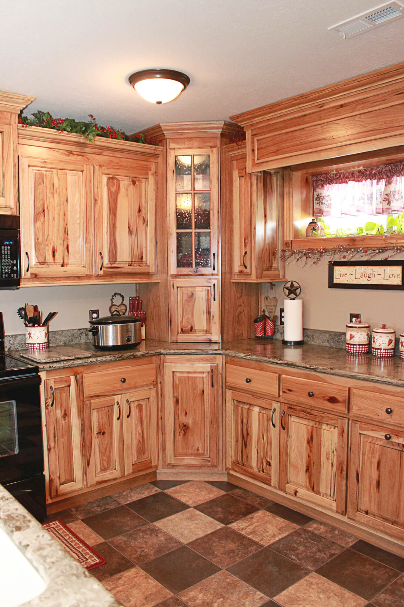 The cabinets plus rustic hickory kitchen cabinets for Kitchen cabinets ideas images