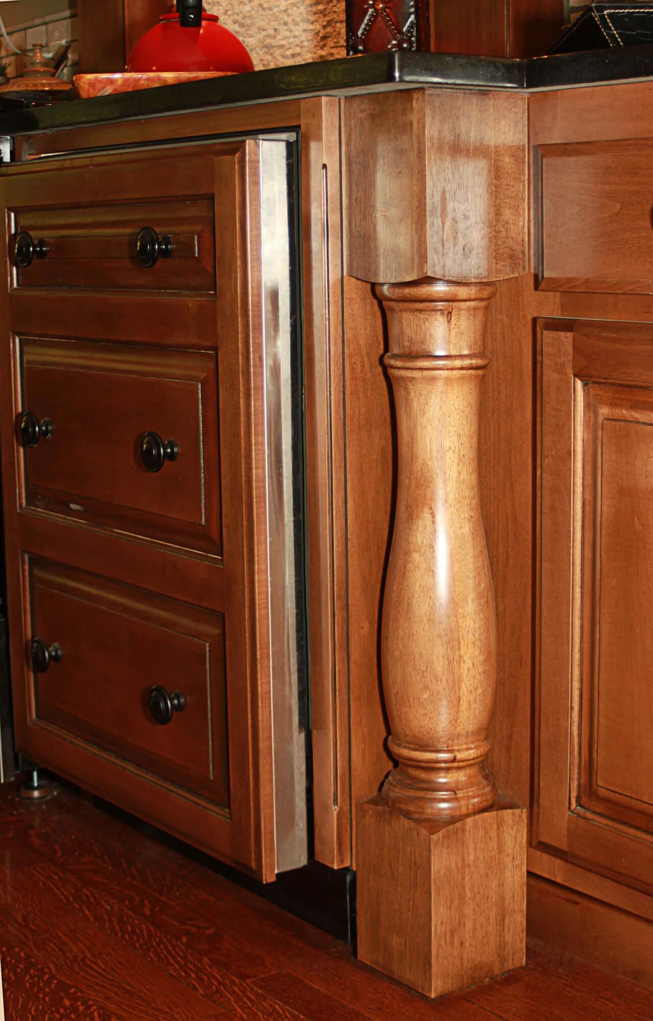 custom-cabinets-posts-3