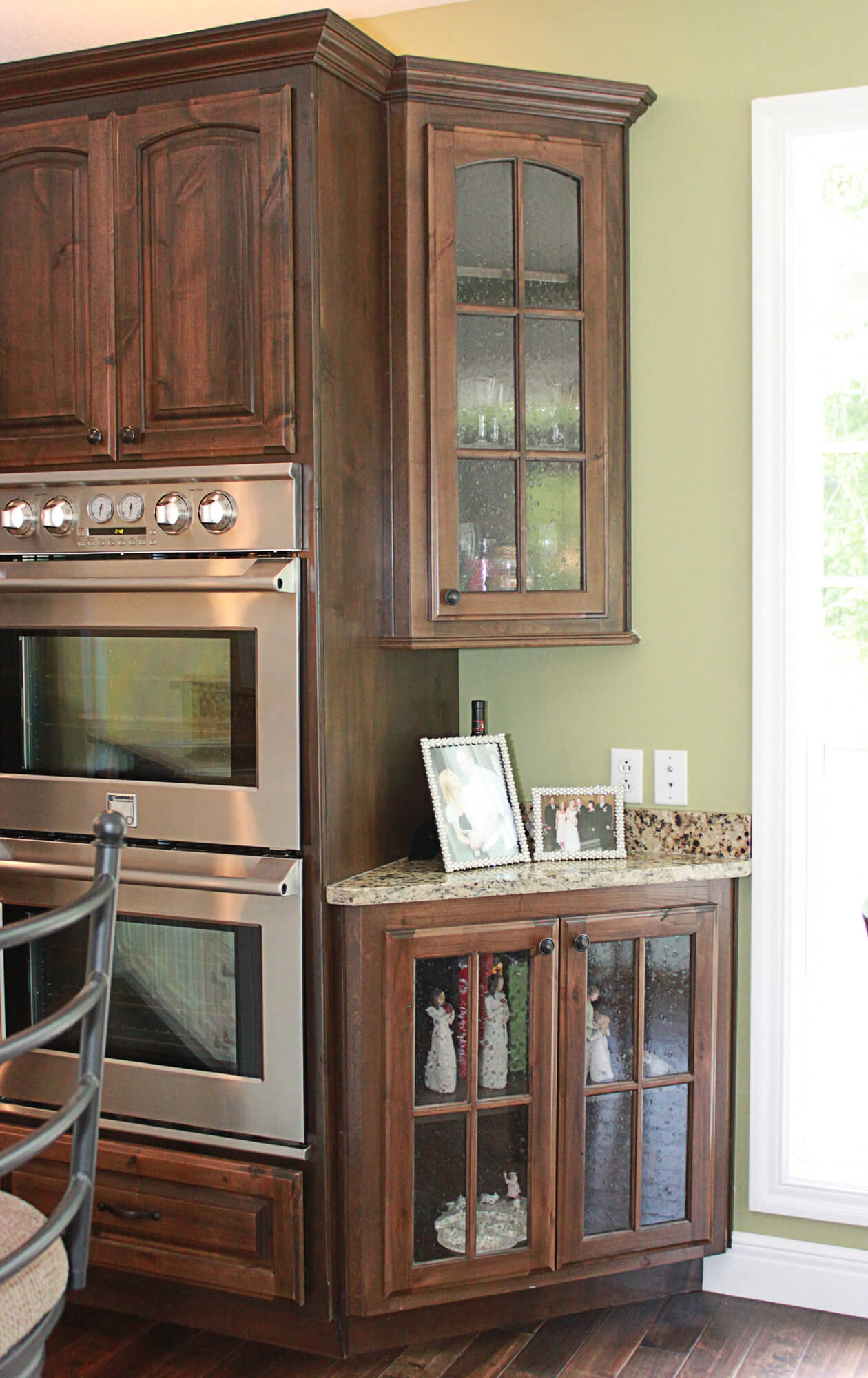 The cabinets plus knotty alder kitchen cabinets for Alder kitchen cabinets pictures