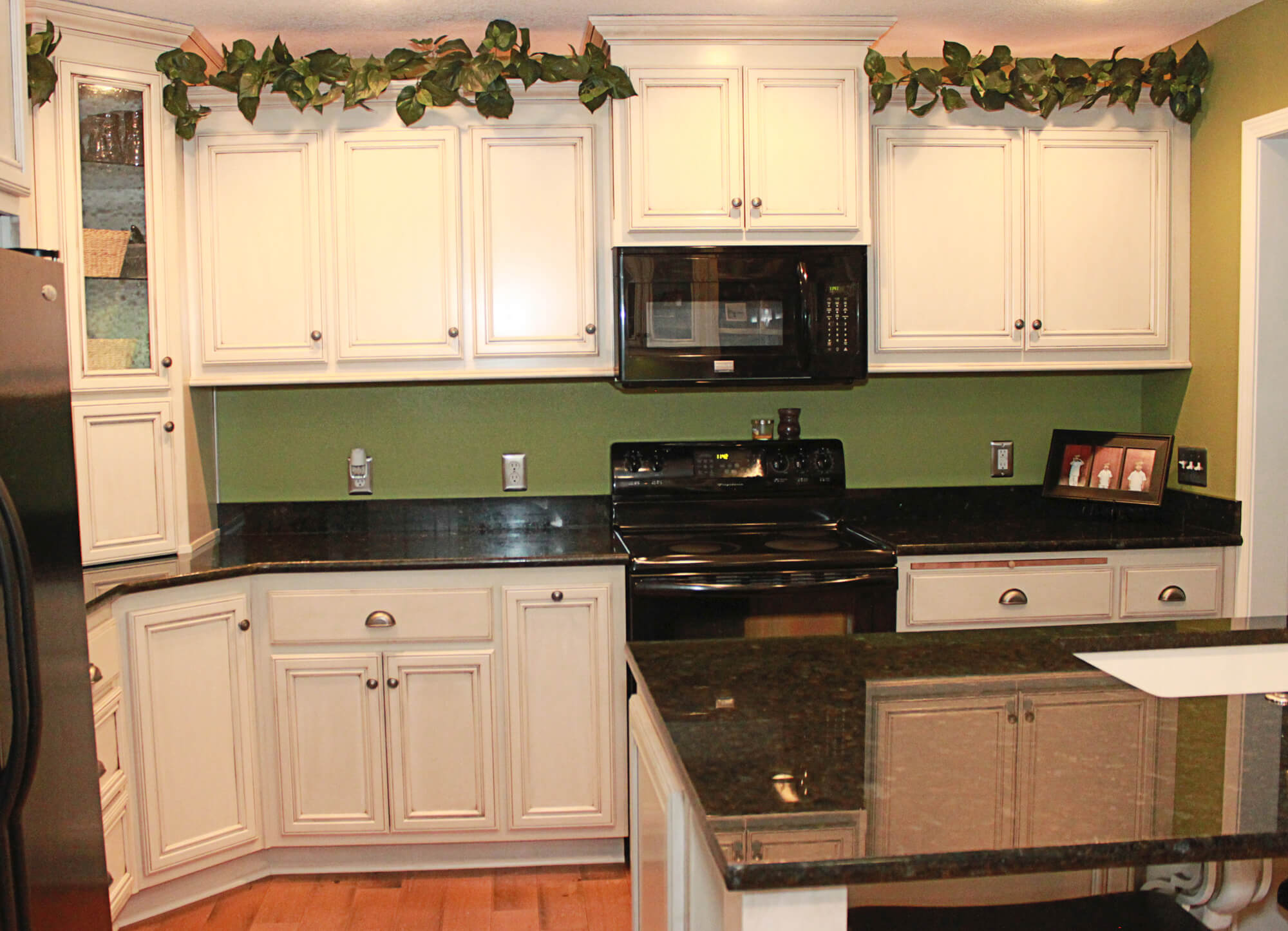 custom painted kitchen cabinets the cabinets plus painted kitchen cabinets 14385