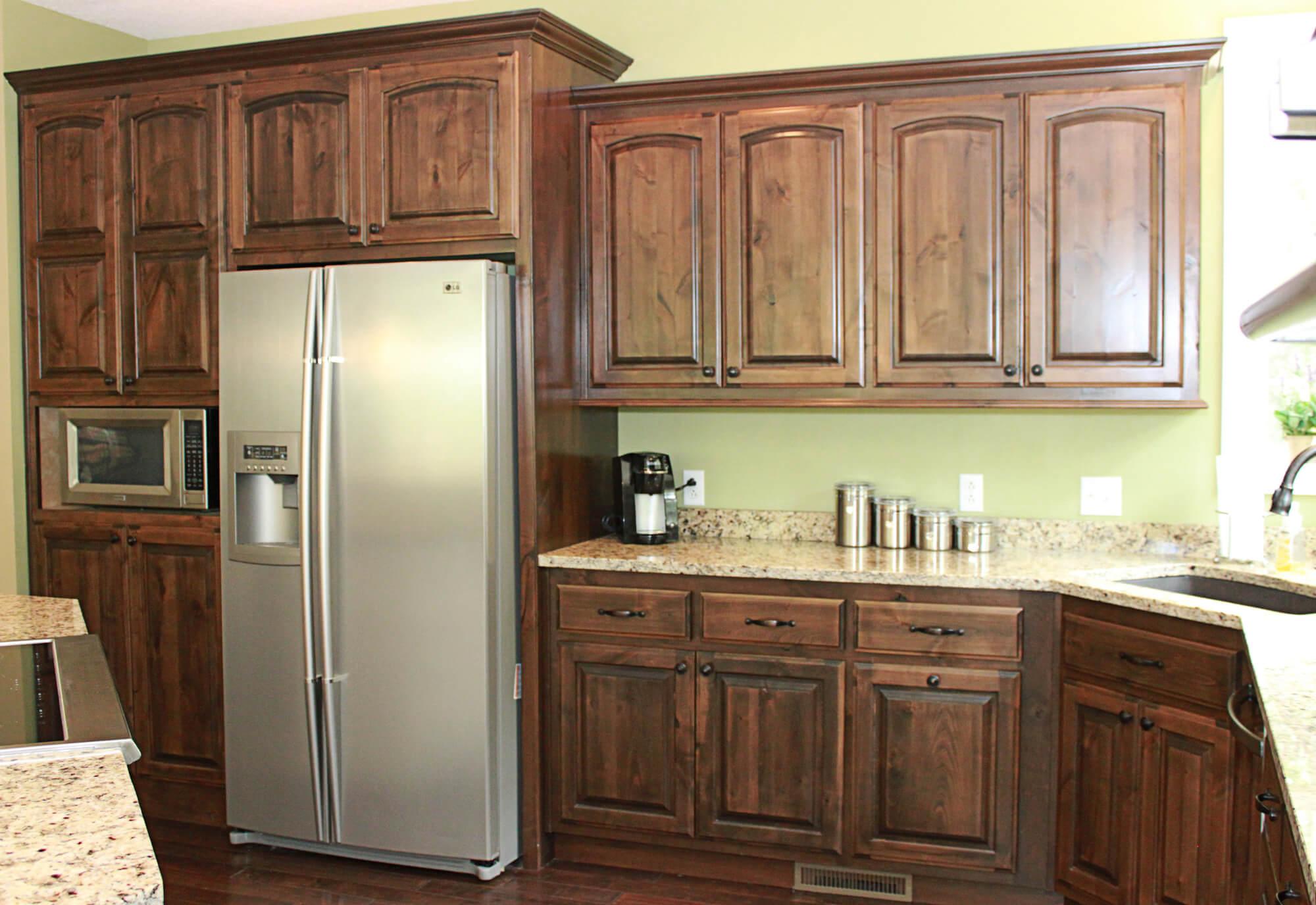 custom-kitchen-cabinet-knotty-alder-8