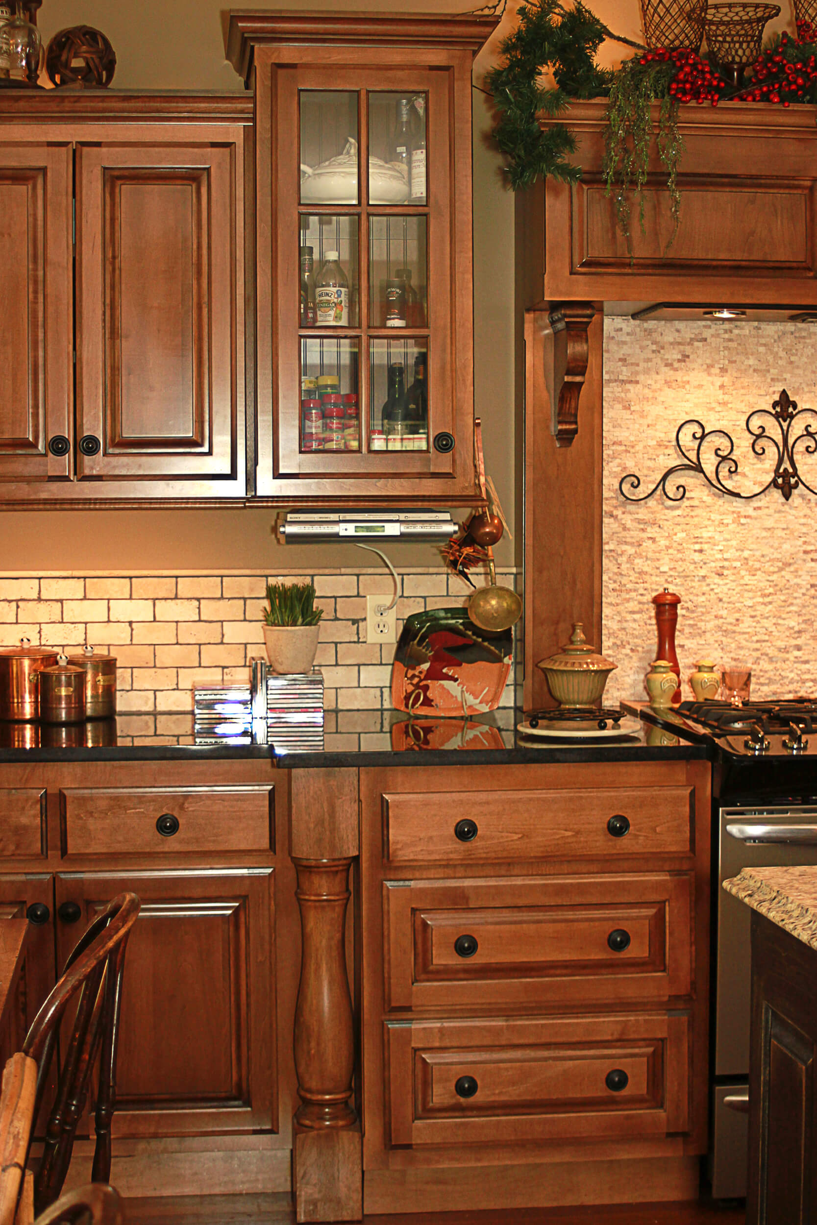 custom-kitchen-cabinet-maple-1
